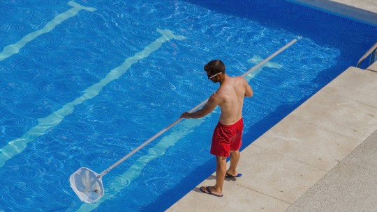 Flocculation in Public Swimming Pools